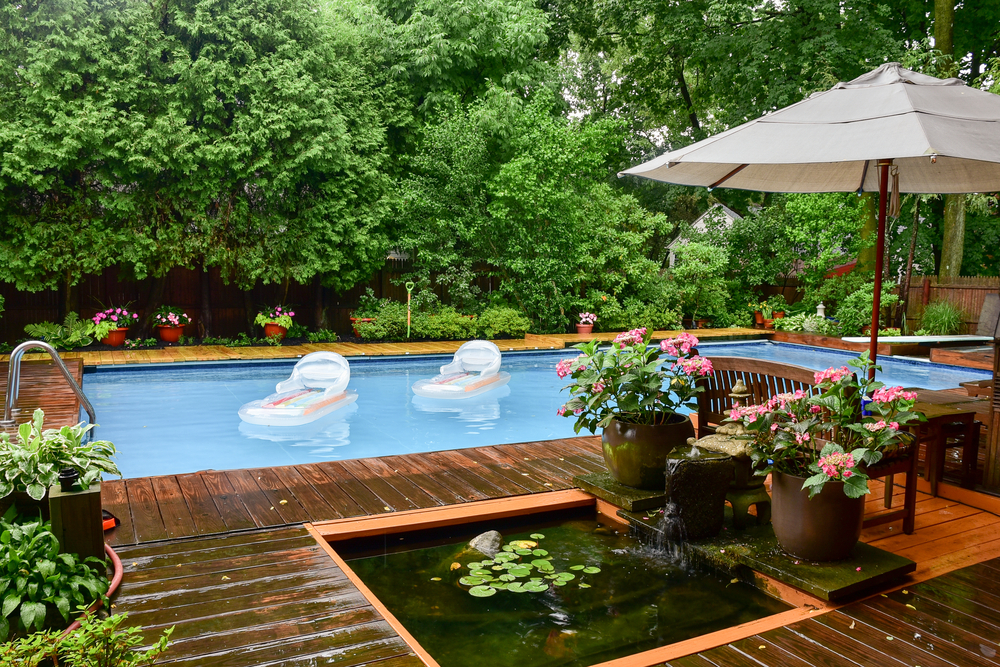 Landscaping Ideas for Around Your Pool
